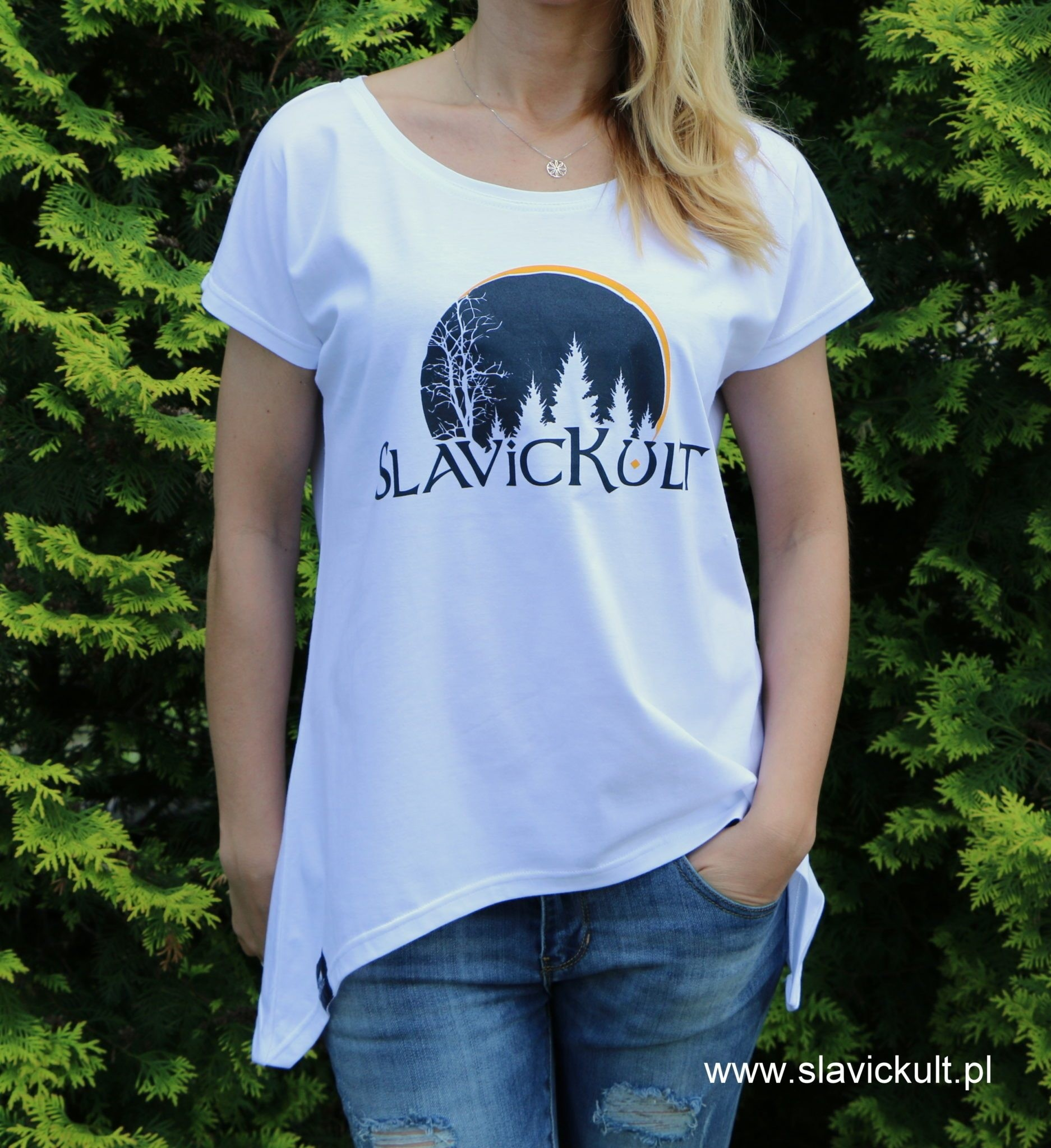 Koszulka Slavickult (Biała) Damska z przedłużonym bokami